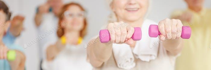 Senior Frau Ausbildung