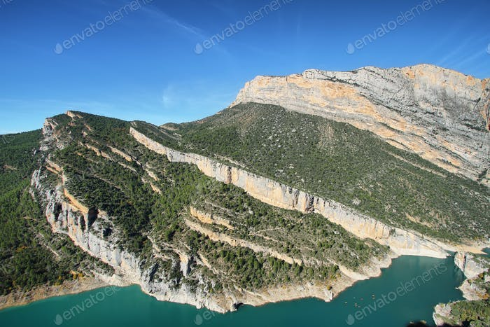 Spectacular cliff in Montrebei, Catalonia