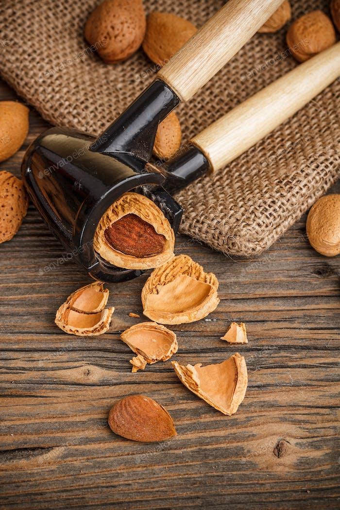 Almonds in kernel