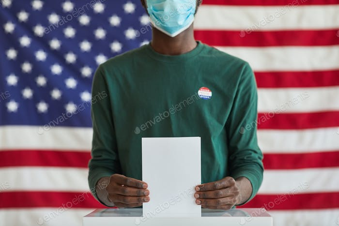 American voter voting