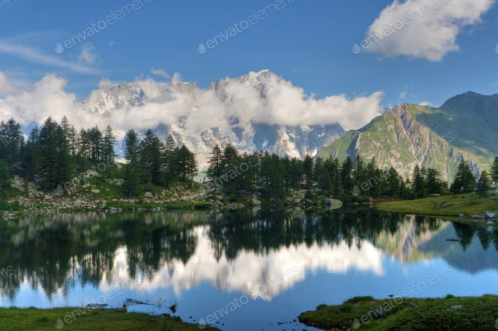 Arpy lake, Italy