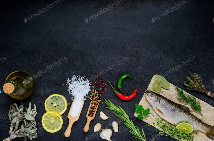 Fisch und Kochen Zutaten mit Kopierraum