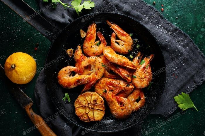 Roasted shrimps on pan