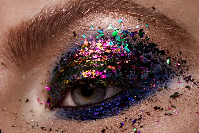 Eye Makeup. Beautiful Eyes Glitter Make-up.