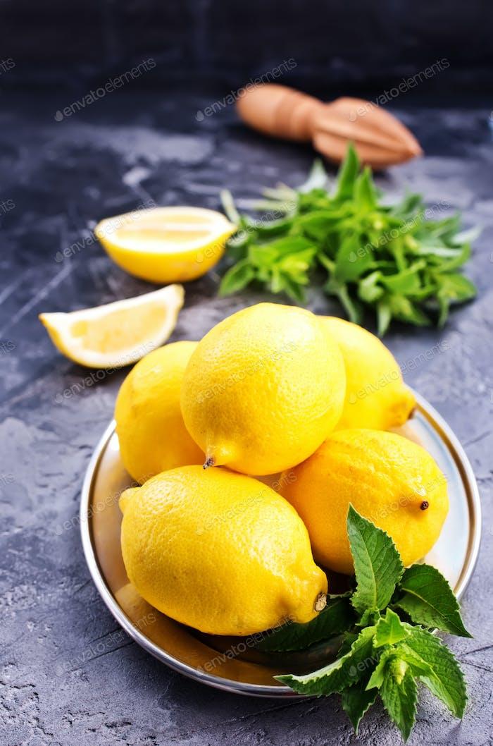 lemons with mint