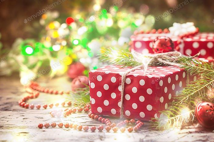 Kleine handgefertigte Geschenkboxen