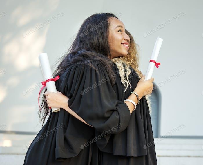 Abschlussfeier Erfolgszertifikat College Konzept