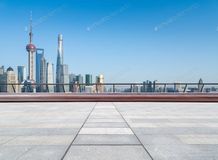 piso vacío con skyline shanghai
