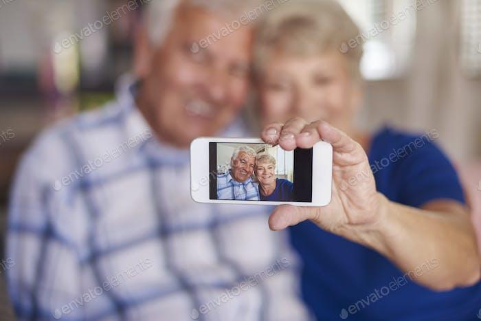 Wir sind nicht zu alt, um ein Selfie zu nehmen