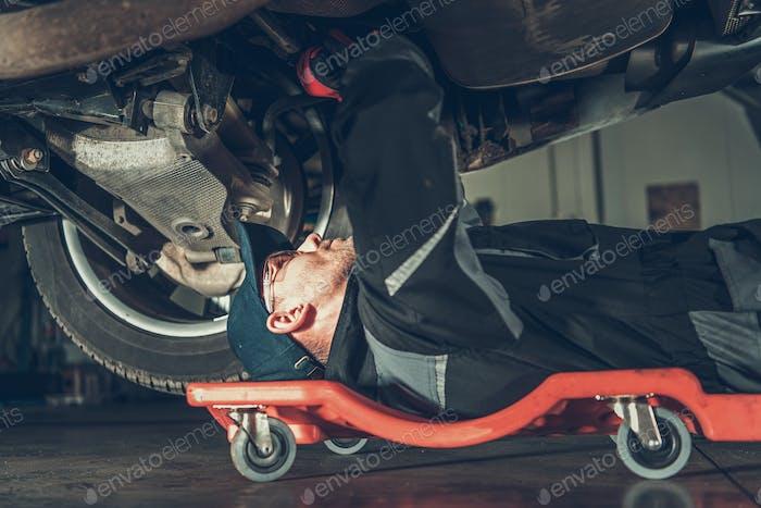 Car Mechanic Repair Job