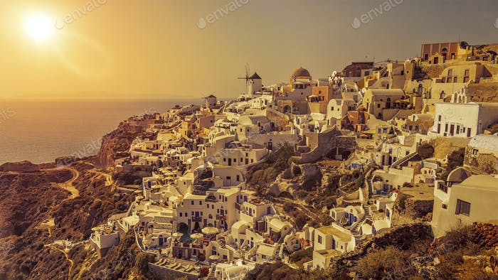 typical romantic view at Oia Santorini