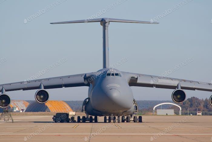 Flugzeug transportieren
