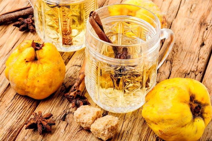 Apfel mit niedrigem Alkoholgehalt