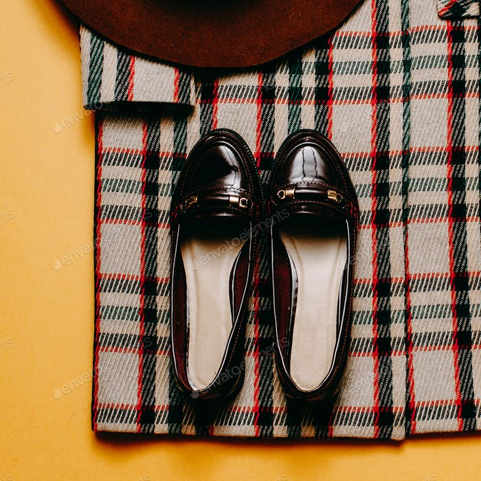 checkered Coat and accessories. Fashion Shoes Fashion Vintage St