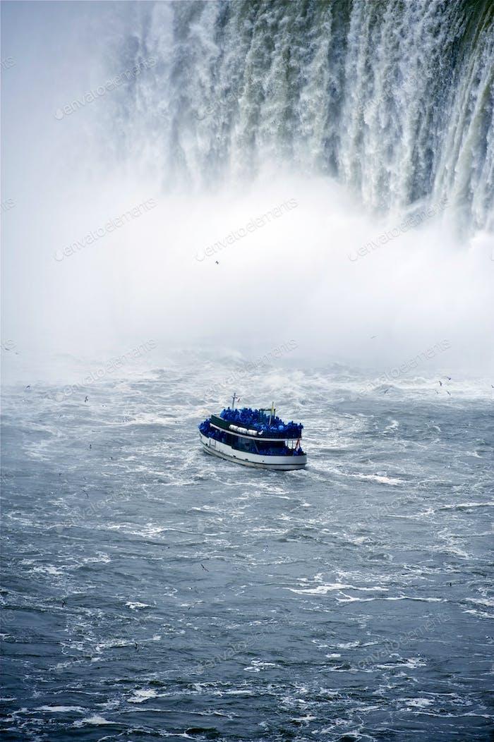 Niagara Boat Tour