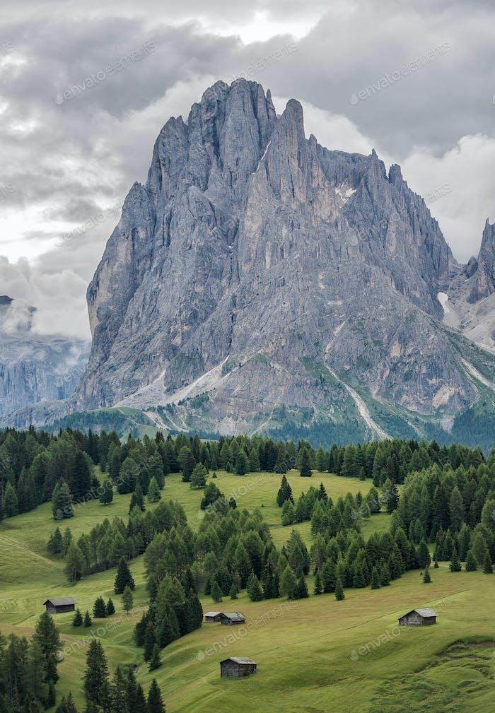 Wolkiger Tag in den Dolomiten