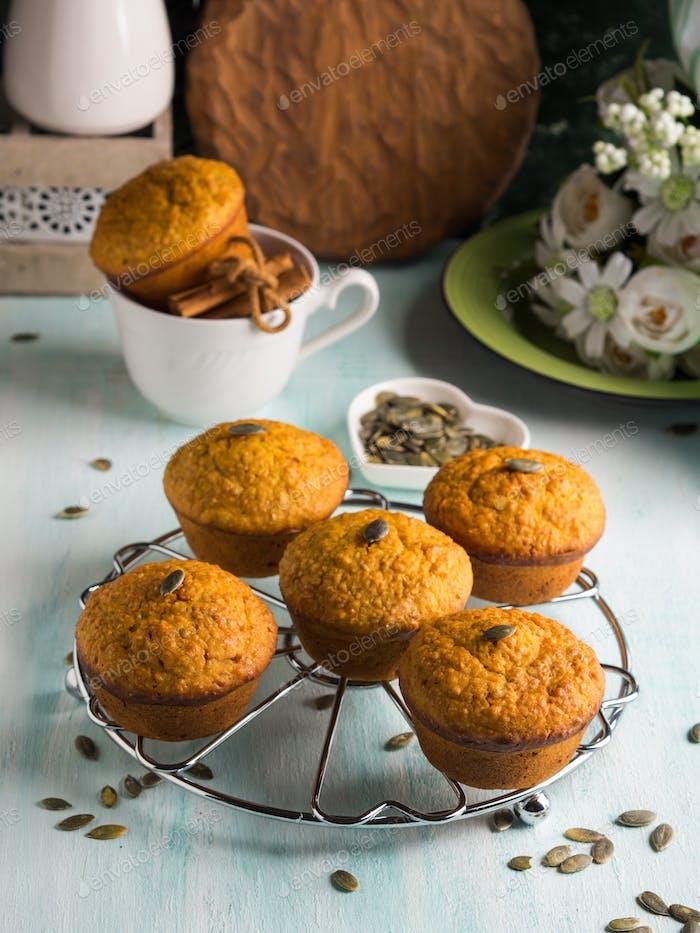 Pumpkin whole wheat muffins for breakfast