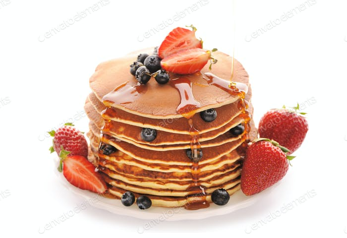 Pancakes with strawberry and blueberries