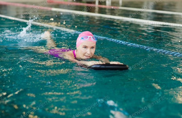 Swimming with rubber ring