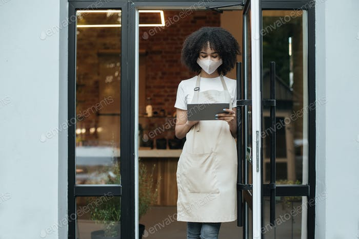 New normal, problems at work and social networks after opening coffee shop