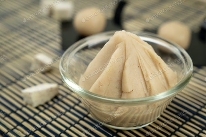 Asiatischer Stil Taro oder Yamspaste