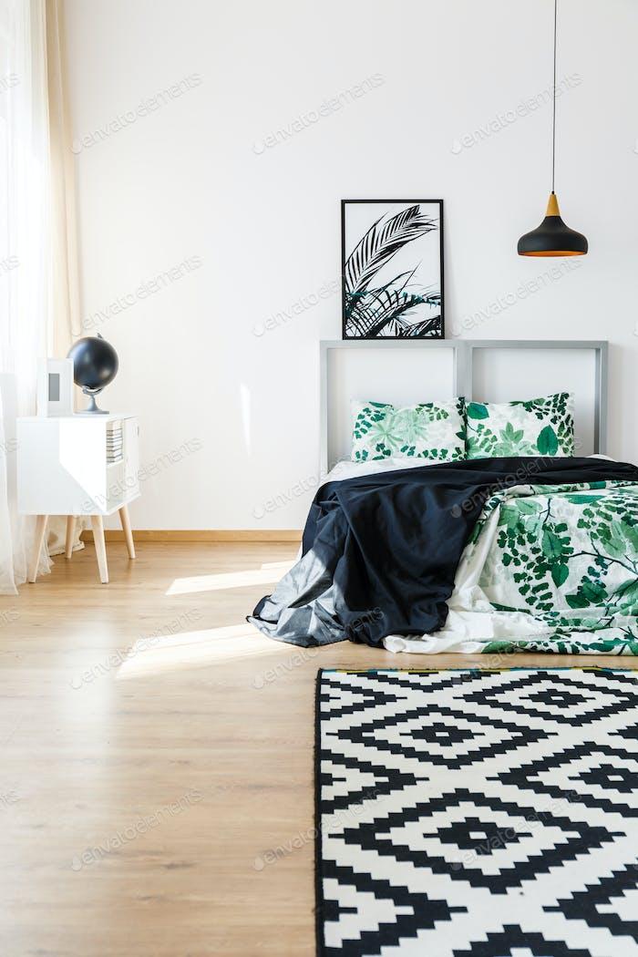 Natural accessories in bedroom