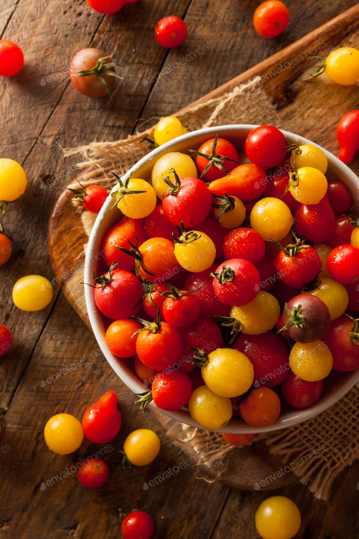 Organic Heirloom Cherry Tomatos