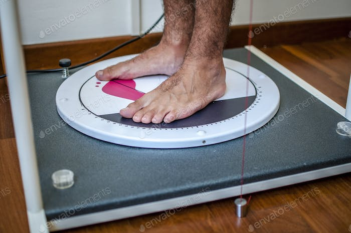 posture and equilibrium analysis by foot step scanning