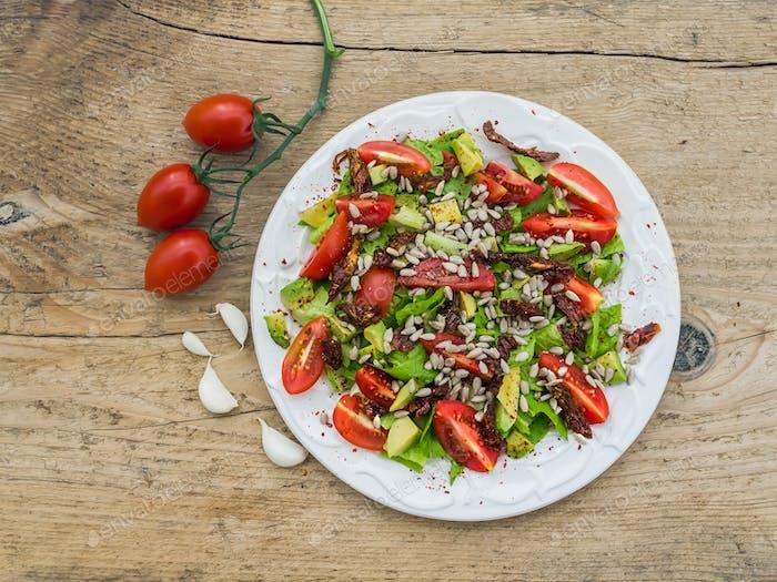 Frischer Gemüsesalat