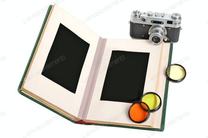 Fotoalbum und Kamera