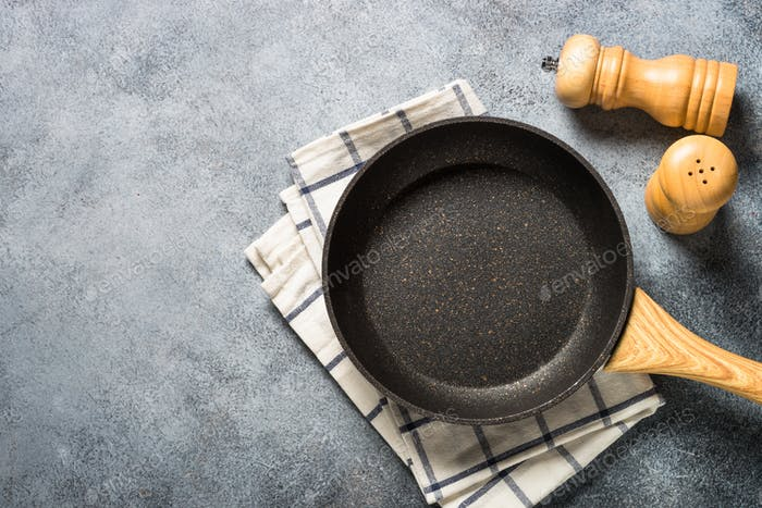 Frying pan or skillet with stone nonstick coating