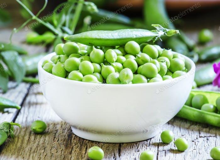Geschälte Erbsen grüne Erbsen