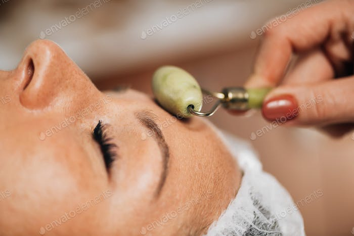Anti-Aging Face Massage with Jade Roller Face Massager