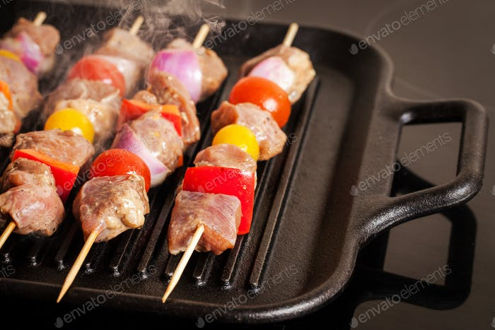 Turkey skewers with vegetables