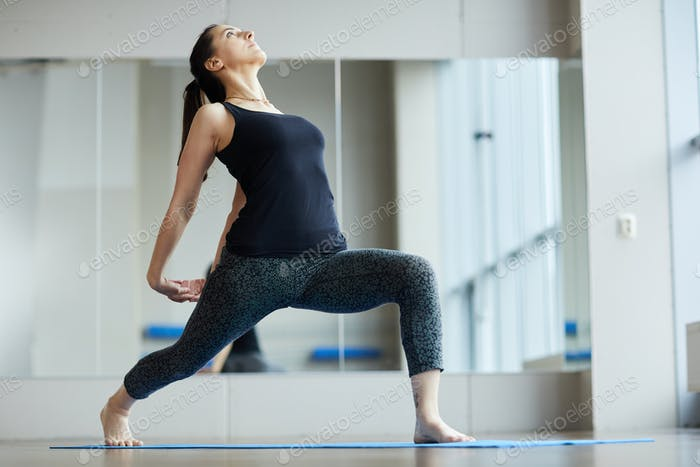 Strengthening back muscles with yoga