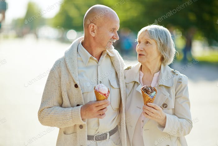 Seniors with ice-cream