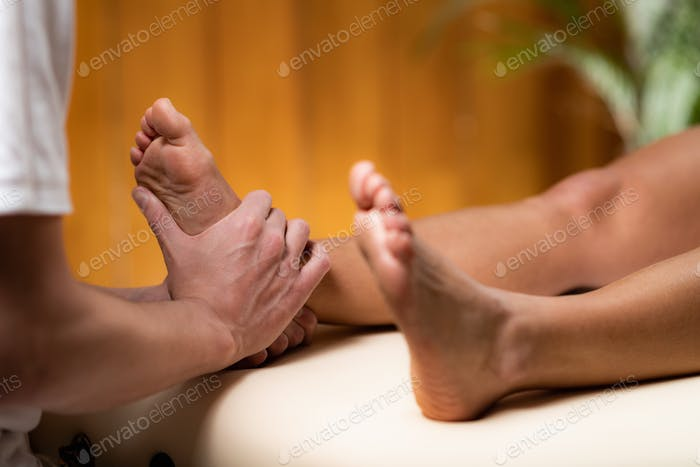 Leg Pain Osteopathy Treatment.