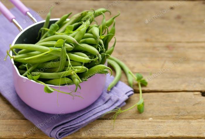 Organic Pods Green Peas