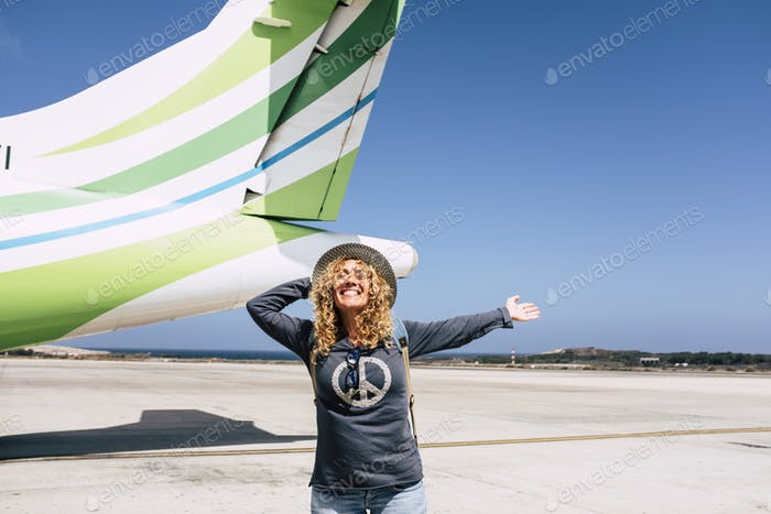 Turismo y viajes turísticos concepto de personas felices
