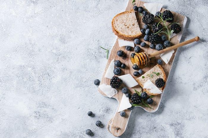 Berries, honey and rosemary