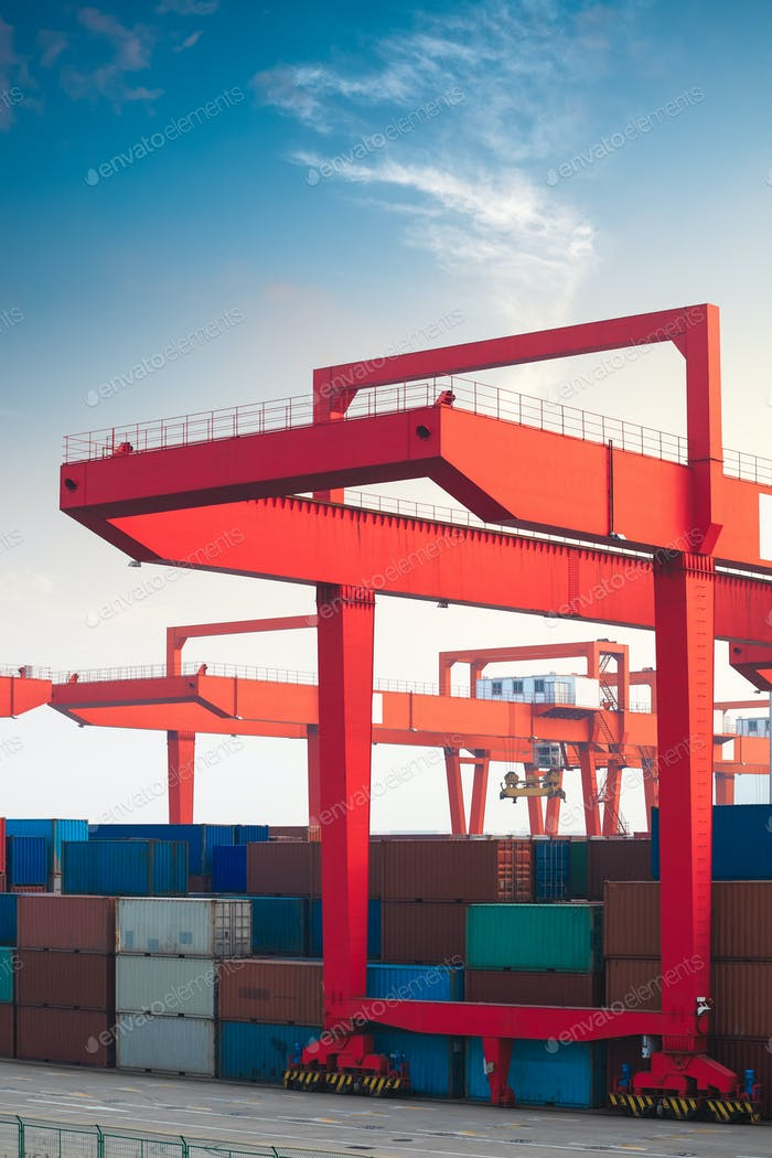 crane in container terminal