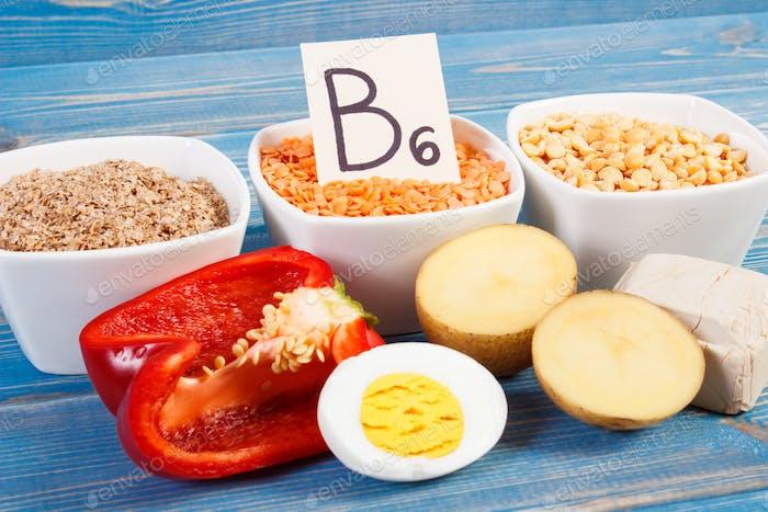 Produkte und Inhaltsstoffe, die Vitamin B6 und Ballaststoffe enthalten, gesunde Ernährung
