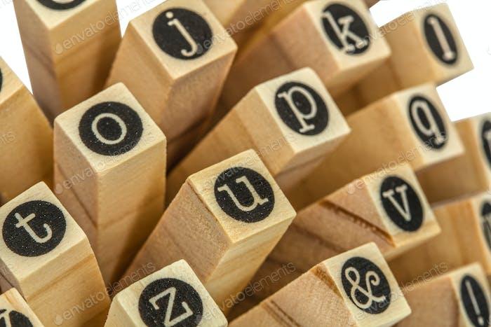 Englisches Alphabet Kleinbuchstaben, Collage aus isoliertem Holz