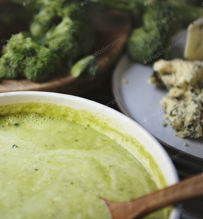 Organic broccoli soup food photography recipe idea