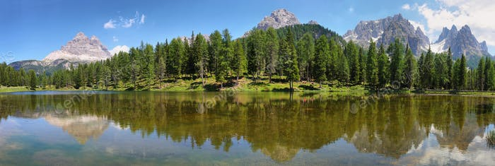 Beautiful Lago Di Antorno lake, Dolomites alps, Italy