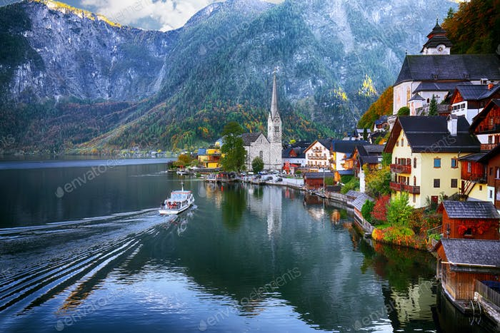 Scenic view of famous Hallstatt mountain village with Hallstatte
