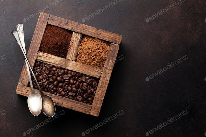 Gerösteter und Pulverkaffee