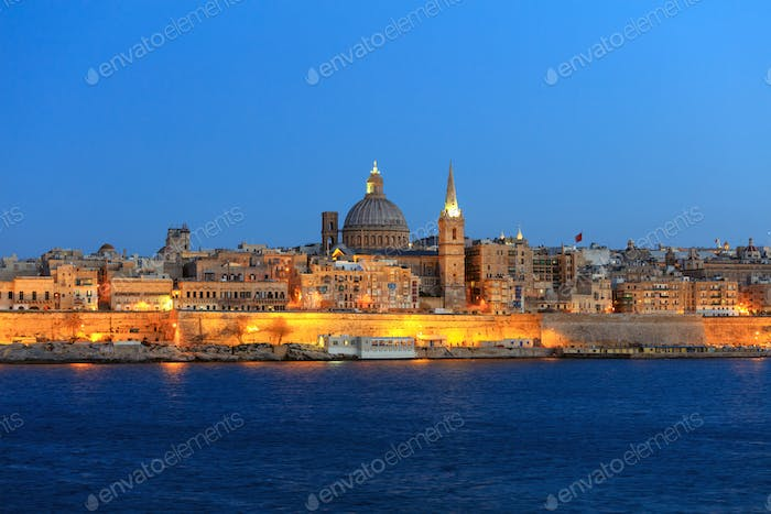 Valletta, Malta, Skyline in the evening with the dome of the Carmelite Church