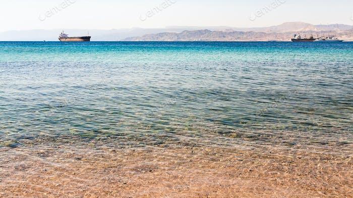 Thumbnail for klares Wasser in der Nähe von städtischen Strand von Aqaba Stadt