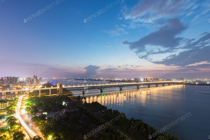jiujiang yangtze river bridge at night